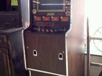 "1970's ""video"" Poker Machine --- ~~~ WORKS FINE ~~~~"