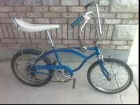 THIS IS A 1970 SCHWINN STINGRAY 5 SPEED BLUE IN