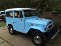 1970 Toyota Land Cruiser FJ40 4x4. 3-speed manual