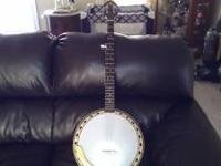This is a 1971 strom 5 string this banjo was made by