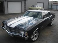 This AWESOME 1971 Chevelle has a 454, 400 Turbo