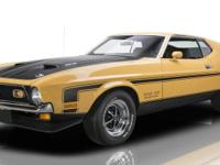Exterior Color: Medium Yellow Gold Interior Color: