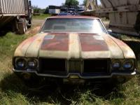 1971 Oldsmobile 442 comes with a hard top and
