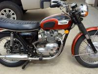 -Beautiful 1971 Triumph 500 T100R Daytona Motorcycle.