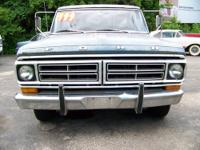 1972 Ford F100 Sport Custom Truck V-8 360 with