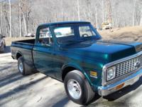 Gorgeous 1972 Chevy Pickup with a great 350 V-8 Factory
