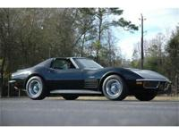 This 1972 Chevrolet Corvette Stingray 454 - T-Top . It