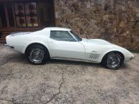 1972 CORVETTE STINGRAY Classic white with black