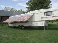 1972 Fifth wheel camper. It is 28 foot. Is set up for a