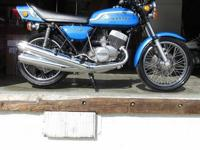Original front forks and rear shocksOriginal grips and