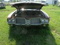 I AM PARTING OUT A 1972 OLDS 2 DOOR,I WOULD SELL WHOLE