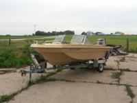 1972 Yarcraft w/1973 Evinrude, plus Trailer !! Motor is