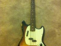 Awesome 40 years of age vintage Fender Mustang Bass !!