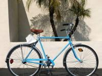 This is an Almost New 1974 Schwinn Speedster Commuter