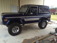 -Nice Daily Driver Early Bronco.  -A real head turner