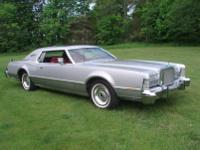 1975 Lincoln with only 13,507 original garage kept