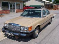 here is a 1975 Mercedes Benz 450SE, 4.5L V8 W116,
