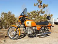 1976 BMW R90s Daytona Orange.Like new, original owner.