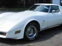 1976 Chevrolet Corvette. Beautifull t-top car with