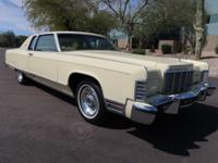 1976 Lincoln Town Coupe that is in excellent condition