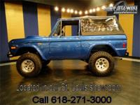 1977 Ford Bronco 4x4 in great condition! This blue