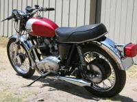 As the 1960s dawned, Triumph's larger twins remained