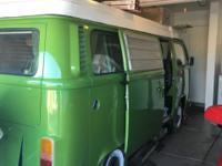 1977 VW bay window automatic camper van sleeps 4 has