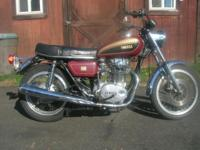 This bike is a 1977 Yamaha XS650 Standard. It is in