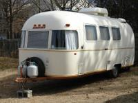 This Vintage 1978 22ft AIRSTREAM ARGOSY 6.7 Meter