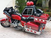 1979 GL 1000 - RED WITH CUSTOM PINSTRIPES.CARBS
