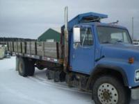 1979 Internationl dump truck single axle. It has a DT