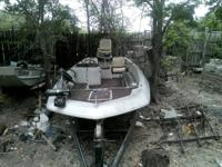 Hello. I am selling a 1979 Monark Fiberglass boat. It