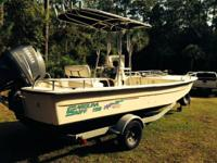 198 Carolina Skiff DLV, really wide beam with t-top,