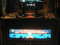 THIS IS A VERY NICE BATTLEZONE MINI ARCADE GAME BY