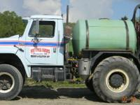 1980 INTERNATIONAL spray truck, Engine: v8, 665 miles,