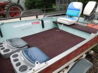 14' Lund Fishing Boat, 15h Evinrude outboard, great