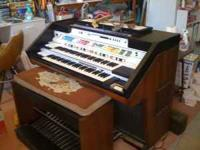 Hello all, I'm selling a 1980's Hammond Concorde, The