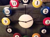 This is a awesome collectable clock and it works! It's