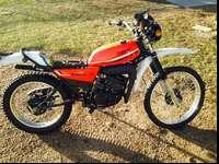 1981 Yamaha Enduro 175 NOT RUNNING Im selling it cuz i