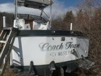 26' Penn Yan Mini Sport fisherman walk around cuddy