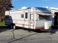 1982 30ft. Holiday Rambler. Rear Queen bed Sleeps:5 to