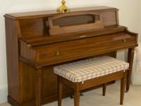 1982 Pecan finish Baldwin Piano, model 2014 88 keys and