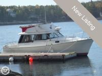 - Stock #082338 - This 32 foot Bayliner is powered by
