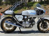 82 Ducati 900 Super Sport. Starts easily, runs good,