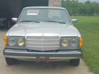 1982 Mercedes-Benz 300TD, Runs, Asking 2,500.00 OBO
