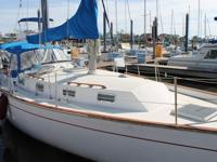 This 1982 Morgan 383 is a Ted Brewer developed boat
