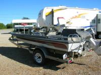 1982 Ranger 17' Fish & Ski. This boat has a 4.3 liter