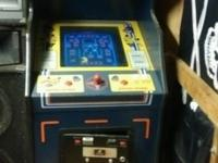 1982 SUPER PACMAN STANDUP ARCADE MACHINE. GOOD