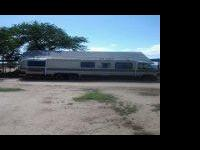 1983 revcon motor home- 33 foot with a 454 engine runs