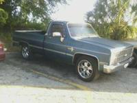 Sapphire Blue Chevy 1500 Custom Short Bed 2 door